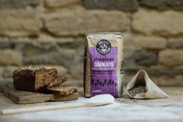 Matthews_Flour_Product-Dark Rye in use
